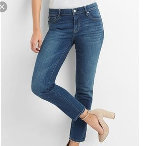 28S NWT Gap Real Straight Blue Jeans